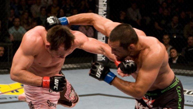 Срещу Рич Франклин, 17 януари 2009 г., UFC 93 Беше трудно съдийско решение, но победата бе спечелена от Хендерсън. Победата означаваше и че Хендо щеше бъде избран за треньор на един от отборите в The Ultimate Fighter (TUF), където впоследствие щеше да се изправи срещу Майкъл Биспин.