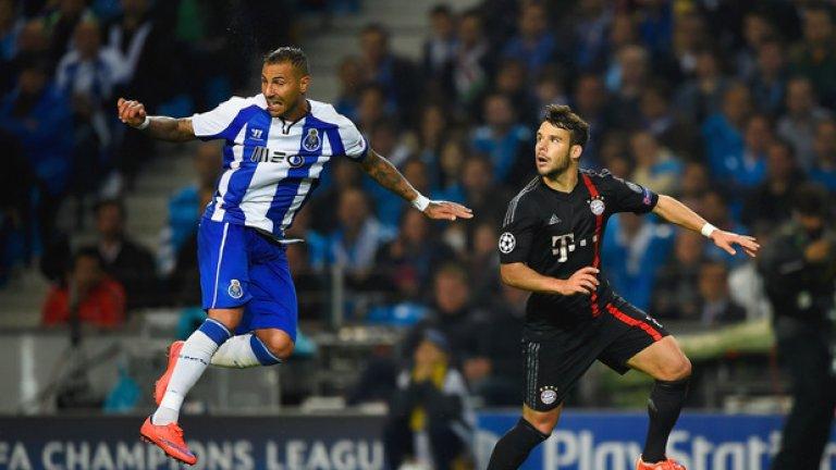 Рикардо Куарежма вкара два гола и даде тон за голямата вечер на Порто.