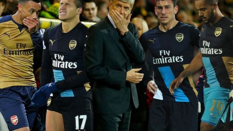 Арсен Венгер класира Арсенал за 16-и пореден път за 1/8-финалите, с което подобри рекорда на сър Алекс Фъргюсън, който има 15 поредни с Манчестър Юнайтед.