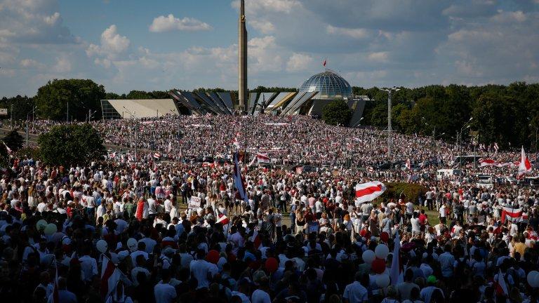 Според всички организатори досега това е най-големият антиправителствен протест досега в страната.