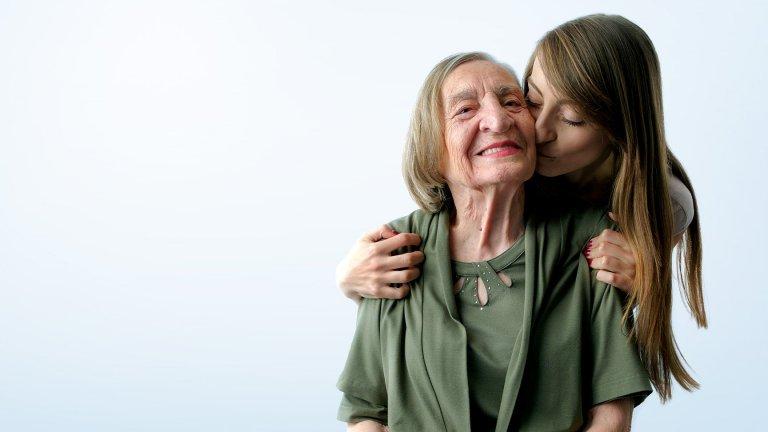 И как баба и внучка си припомниха колко са важни една за друга