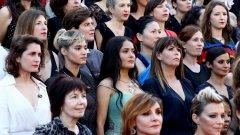 Актриси и други жени от киноиндустрията се обявиха за полово равноправие по време на големия филмов фестивал. Вижте още снимки от проявата в нашата галерия.