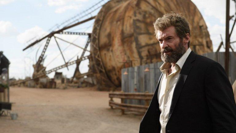 """3. Хю Джакмън, """"Логан""""  Колко време трябва да изчака един актьор, за да коментира случващото се в най-новия му филм? За Хю Джакмън, изглежда, дори ден е много. По-малко от 24 часа след премиерата на """"Логан"""" – последния филм, в който Джакмън играе популярния мутант Върколака, в сайта на Entertainment Weekly се появява откъс от интервю с актьора.   Там австралиецът разкрива, че героят му умира във филма. Нещо, което много зрители подозират, но едва ли са искали да им бъде казано в прав текст. Особено когато разкритието е придружено от още един детайл – Джакмън посочва, че Логан """"дава живота си, за да спаси нечий друг живот"""".   Хубаво се """"пенсионира"""" от ролята, но не можа ли да изчака поне една-две седмици с разкритията?"""
