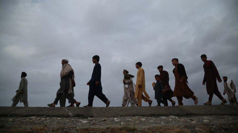 Много от тях са бивши преводачи и помощници на американската армия, които се притесняват от отмъщението на талибаните