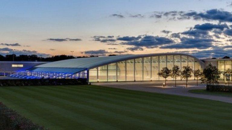 Enfield training centre, Toтнъм Комплексът разполага с 15 терена, а 4 от тях се използват от представителния тим.