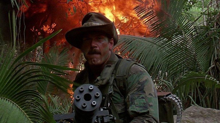 """Джеси Вентура  Кечист, писател, бивш губернатор на Минесота, че за кратко и актьор. 67-годишният Вентура обръща поглед към Холивуд в края на 80-те. Първата му роля е и най-популярната му - той е член на отряда на Арнолд Шварценегер във фантастичния екшън """"Хищникът"""" (Predator) от 1987-а.   Появявал се е """"Бягащият човек"""", """"Разрушителят"""" със Силвестър Сталоун и """"Батман и Робин"""" (с малка роля на охранител). По-интересното около него обаче е това, че е бил бодигард на бандата Rolling Stones. Може и да не е успял в киното, но кариерата му определено е разнообразна."""