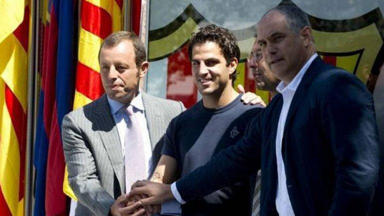 След продължила няколко години сага Барселона най-сетне успя да си върне от Арсенал своя юноша Франсеск Фабрегас срещу сума от порядъка на 40 милиона евро