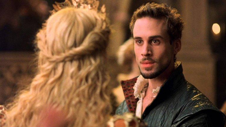 """Влюбеният Шекспир / Shakespeare in Love - 13 номинации през 1999 г.  Някои го наричат едно от най-надценените заглавия в историята на """"Оскарите"""", други не могат да простят факта, че спечели наградата за най-добър филм в годината на """"Спасяването на редник Райън"""" на Стивън Спилбърг.   Въпреки противоречивите коментари, """"Влюбеният Шекспир"""" остава сред класиките на Академията, а всеки може да се наслади на играта на Джоузеф Файнс, Гуинет Полтроу, Джуди Денч, Джефри Ръш, Колин Фърт и Бен Афлек."""