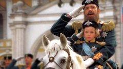 """Във филма """"Сибирският бръснар"""" Никита Михалков се появи като руски император - на бял кон..."""