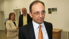 Николай Василев отговаряше за държавната администрация и административната реформа