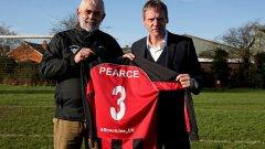 На 53 години (!) Стюарт Пиърс ще се завърне на терена