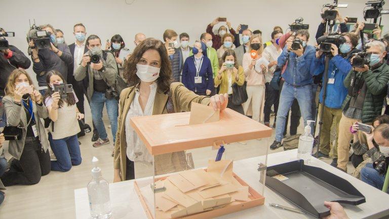 Десницата печели изборите в Мадрид