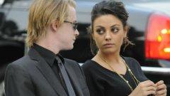 Кълкин изкара 8 години с Мила Кунис. Медиите посочват като причина за раздялата им наркозависимостта на актьора