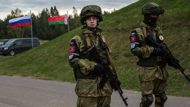 Байдън и Меркел призоваха Русия да деескалира ситуацията