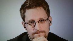 Разобличителят се е отдал на реклама на книгата си Permanent Record, в която разказва за работата си в американските служби и защо да разкрие тайните на Националната агенция за сигурност (NSA) публично за него е било единствен вариант.