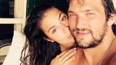 Анастасия и Александър ще се оженят догодина.