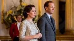 Оливия Колман в ролята на кралица Елизабет II. Ето още кои британски сериали очакваме през 2019-а: