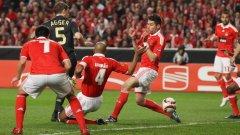 Датският защитник на Ливърпул Даниел Агер откри резултата със забележителен гол с петичка в първия мач