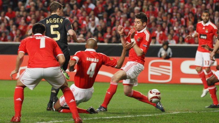 Даниел Агер има договор с Ливърпул до 2014 и трансферът му във Волфсбург ще е труден