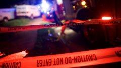 Стрелецът е бял мъж на около 40-50 години, който кара син шевролет SUV.