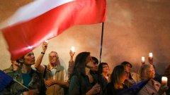 Какво стои зад резолюциите и хартите на полските общини, които ядосаха Европа