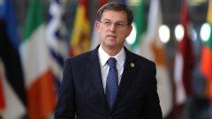 Миро Церар се отказва от поста след отменен референдум