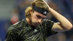 Циципас отново се застоя в тоалетната и получи освирквания на US Open