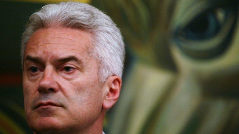 Волен Сидеров - под маската на болен националист се крие друго лице