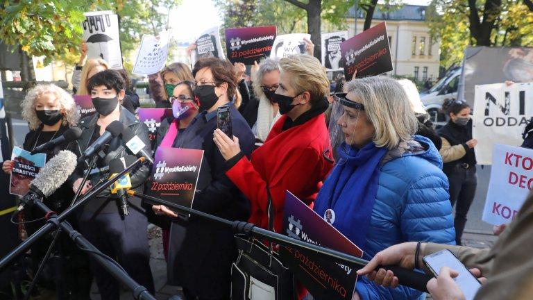 Демонстрантите са стигнали до дома на вицепремиера Ярослав Качински