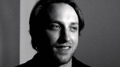 Чад Хърли подаде оставка миналата седмица като изпълнителен директор на YouTube, за да стартира собствена марка за облекло