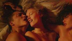 Любов (2015)  Във филма на Гаспар Ное сюжетът е на заден план и отстъпва на горещите сцени, които са шокиращо детайлни, право пред очите на зрителя и заснети в чудно 3D. Нищо не е оставено на въображението, а сексът е съвсем истински – което не помогна на критиката да хареса филма.