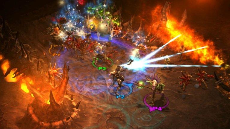 """Diablo 3  Невероятно много мултиплейъри са вдъхновени от Diablo, че няма да ни стигне един ден да изброим всичките. Diablo 3, подобно на Counter Strike 1.6, е доста стара игра, но динамичното й действие в така нареченото """"Светилище"""" все още ни кара да посегнем към нея, а графиката далеч не изглежда остаряла и старомодна. Вашата цел на терена на """"Светилището"""" е проста – трябва да го спасите от злите сили, които го обитават. В задачата си не сте сам, напротив, препоръчително е да си осигурите подкрепление, с което да се борите за общата кауза, да си разменяте необходими вещи или просто да знаете, че има някой съотборник наоколо. Третата игра от поредицата така и не успя да даде наистина качествено мулти на играчите, но за сметка на това да поцъкате с още трима души може да е доста забавно и динамично."""