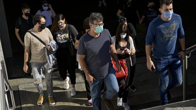 Вечерен час и излизане само след смс са сред изискванията за жителите на двете гръцки области