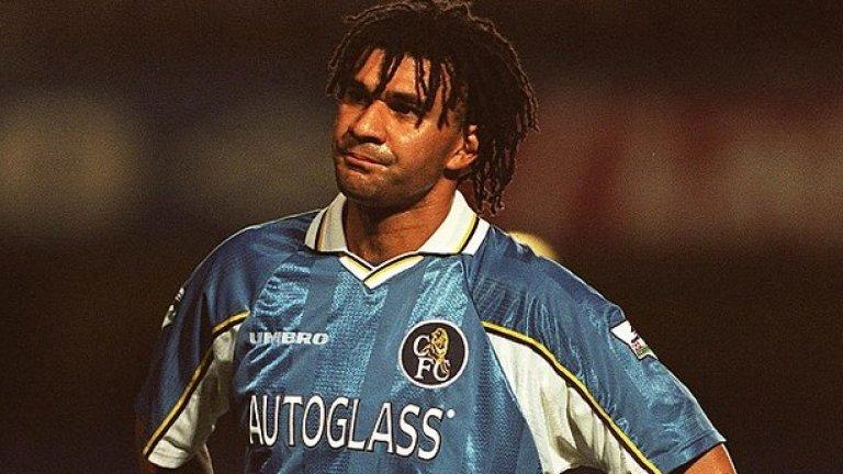 Рууд Гулит Челси (1995-1998) Гулит се озова в Челси в края на кариерата си, големите му успехи с Холандия и Милан вече бяха останали в миналото. Рууд започна в защитата на лондонския клуб, после се наложи да играе в халфовата линия и с него тимът спечели Купата на ФА през 1997.