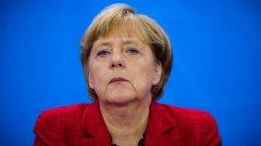 Меркел коментира и миграционните въпроси, както и конфузния момент по време на посещението й в САЩ.