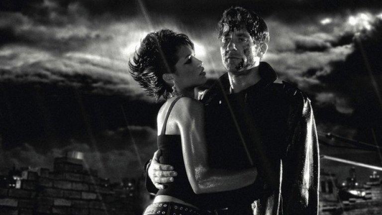 """""""Sin City: Град на греха""""  С екранизацията на """"Град на греха"""" мексиканският хулиган Робърт Родригес, авторът на самия комикс Франк Милър и гостуващият режисьор Куентин Тарантино създават покварено филмово откровение, пренесло комиксовата естетика на друго ниво.   Композициите, монтажът, цветовата палитра, ракурсите, преходите, движенията на камерата… цялостната визуална концепция тук следва логиката на разгръщане на крайно стилизирания комикс."""