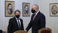 Президентът Румен Радев заяви, че няма да бърза с връчването на мандата