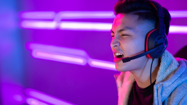 """Пекин налага """"полицейски час"""" за непълнолетните играчи на онлайн игри"""