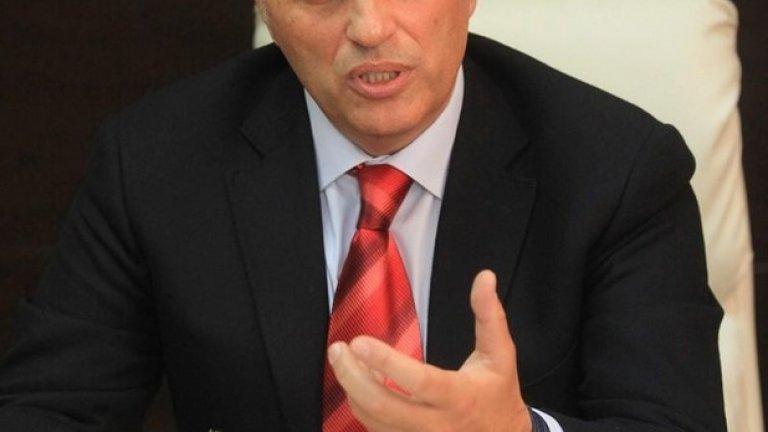 Пламен Моллов е отдавна в политиката