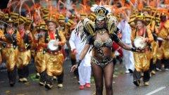 Горещи ритми от Карибите в мрачен Лондон - разгледайте снимките