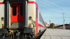 БДЖ спира 39 влака по празниците