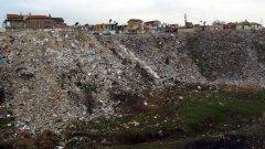 В България няма нито един завод за боклук - само сметища, където се тъпчат боклуците...