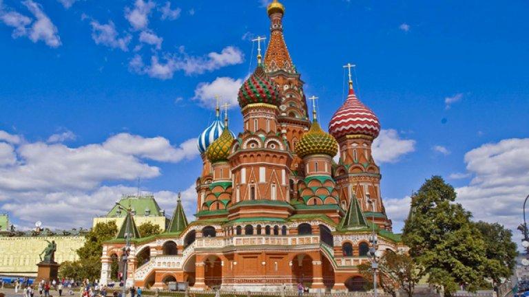 """Подобие на уникалните куполи на """"Св. Василий Блажени"""" ще може да се види и в Париж през 2013-а"""