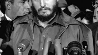 Марита Лоренц твърди, че е родила син от Кастро на име Андре. Твърди също така, че по-късно ЦРУ я изпращат в Куба, за да убие лидера на страната. Но има ли в твърденията й някаква доза истина?