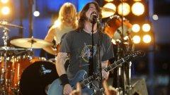 Железният вокалист на Foo Fighters остана да пее до край