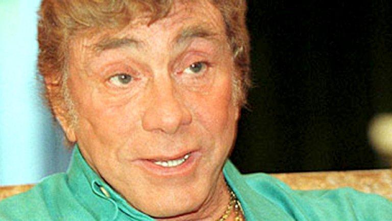Въпреки разкопчаните си до пъпа ризи и кичозните златни ланци обаче, Боб  Гучоне се описваше като консервативен работохолик.