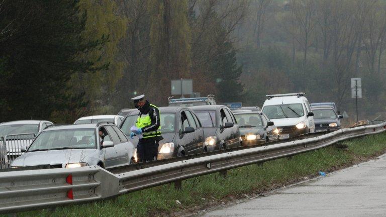 Водачите продължават да посочват, че отиват на работа, въпреки трите почивните дни.