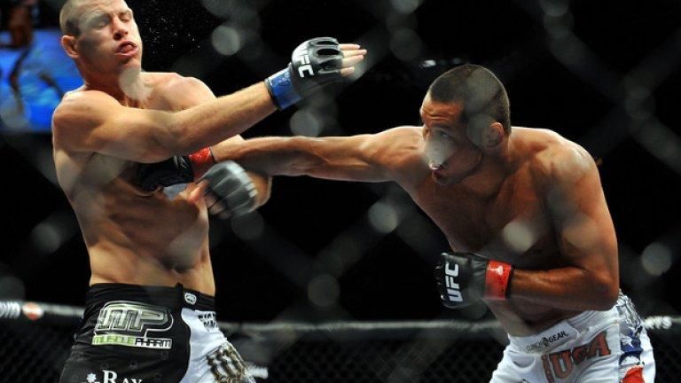 Срещу Майкъл Биспин, 11 юли 2009 г., UFC 100 Тези, които не са следили кариерата на Хендо в Pride, имаха възможност да се запознаят с истинския Хендерсън извън ринга по време на TUF9. И още нещо – да гледат мач срещу треньора на противниковия отбор – Майкъл Биспин. Англичанинът вече си бе спечелил славата на спорна фигура, а с бруталния си нокаут Дан Хендерсън стана дори още по-популярен сред феновете. Това, което те не знаеха обаче, бе, че Хендо щеше да отсъства от октагона в следващите две години.