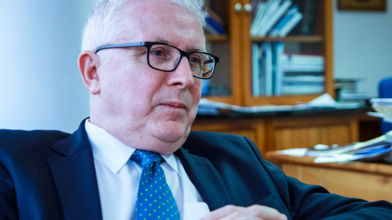 Интервю с ирландския посланик Майкъл Форбс