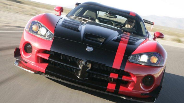 Dodge Viper SRT10 ACR – 7.12,13 минути Всъщност това е пистов автомобил, който е зле маскиран като серийна кола. Задвижва се от 8,4-литров V10 с мощност 608 конски сили. Добавени са карбонов сплитър отпред, задно крило и регулируеми състезателни амортисьори.